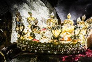 couronne, souverain, dignité, compassion