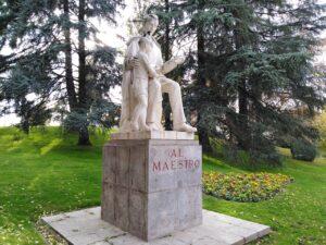 monument le maitre et son élève